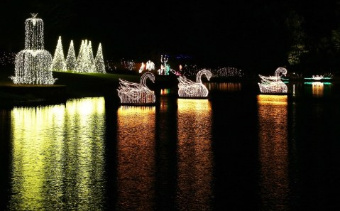 """Bellingrath Gardens and Home is celebrating its 20th year of """"Magic Christmas in Lights."""" (Mike Kittrell/Alabama NewsCenter)"""