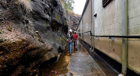 Officials inspect an Alabama Power dam at Smith Lake. (Wynter Byrd/Alabama NewsCenter)
