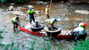 Volunteers work a Renew Our River cleanup in Village Creek. (Wynter Byrd/Alabama NewsCenter)