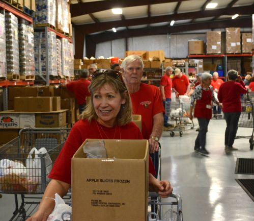 Volunteer efforts help sustain the pantry. (Karim Shamsi-Basha/Alabama NewsCenter)