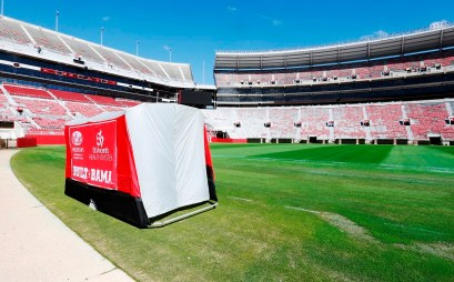 The SidelinER, a quickly collapsible and easily transported medical tent, was developed at the University of Alabama. (University of Alabama)
