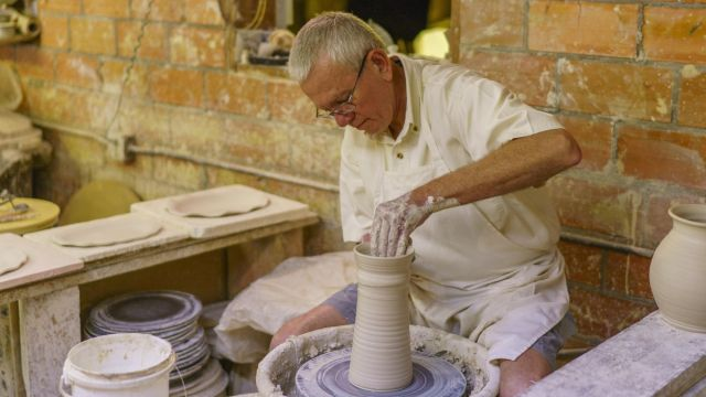 This Alabama Maker exercises his hand-thrown heritage