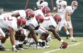 Offensive lIne at Monday's practice. (Robert Sutton / UA Athletics)