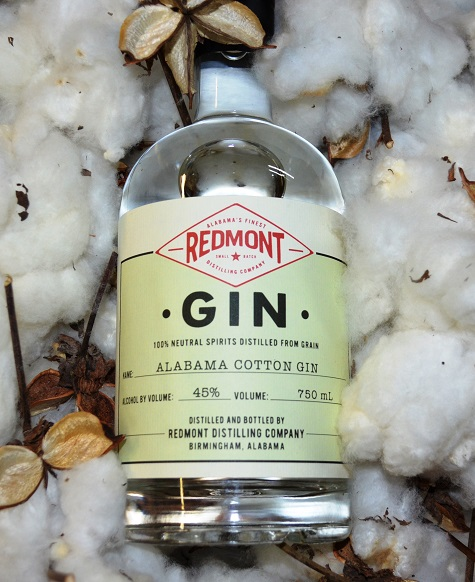 Redmont's Alabama Cotton Gin is made with cotton as on of its botanicals. (Michael Tomberlin / Alabama NewsCenter)