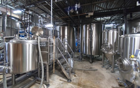 Brewing beer at the Back Forty Beer Co. in Gadsde. (Bernard Troncale / Alabama NewsCenter)