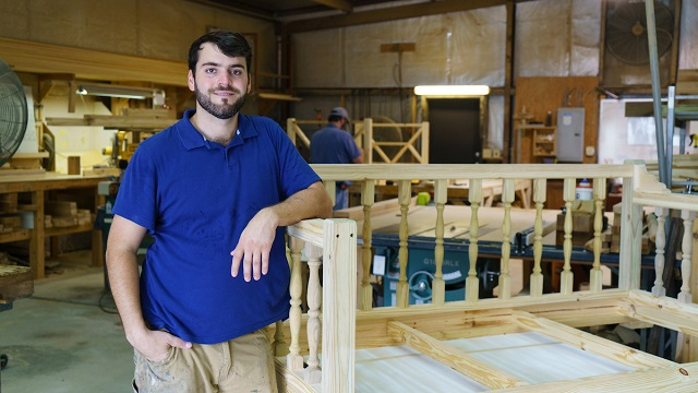Four Oak Designs elevates the porch swing with Alabama Maker style