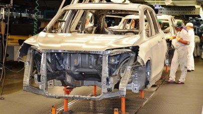Workers at Honda Manufacturing of Alabama build a Pilot SUV. (File)