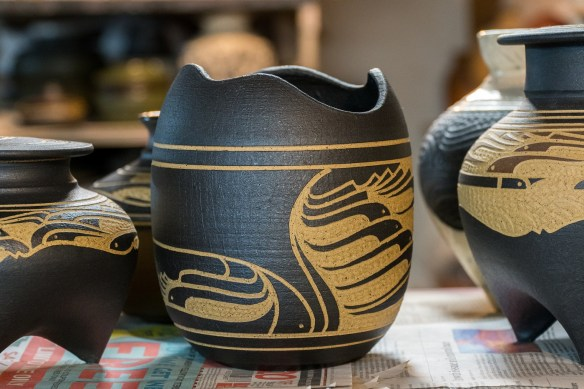 Charles Smith's pots have been exhibited in the Smithsonian and other prestigious museums across the country. (Mark Sandlin/Alabama NewsCenter)