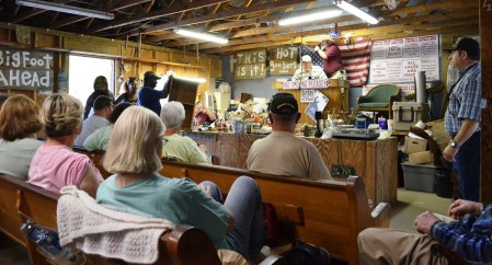 An auction in full swing. (Anne Kristoff/Alabama NewsCenter)