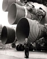Dr. von Braun standing by five F-1 engines. (NASA, Wikimedia)