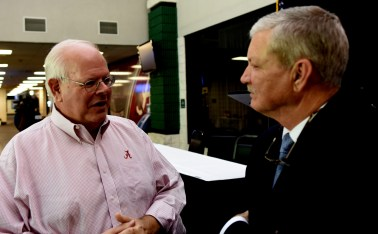 University of Alabama football radio announcer Eli Gold talks with Pelham Mayor Gary Waters following the announcement that professional hockey will come to the Pelham Civic Complex in the fall of 2017. (Solomon Crenshaw Jr. / Alabama NewsCenter)