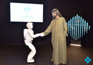 ASIMO receives a royal welcome in Dubai. (Honda)