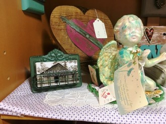 Christian images are at the heart of many of G and G Barnwood and Other Creations' works. (Brittany Faush-Johnson / Alabama NewsCenter)