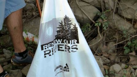 Volunteers help with the spring cleanup of the Black Warrior River in Tuscaloosa as part of Alabama Power's Renew Our Rivers program. (Mark Jerald / Alabama NewsCenter)