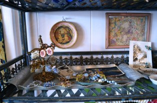 Your mama or your grandmother may have owned similar pieces. (Anne Kristoff / Alabama NewsCenter)