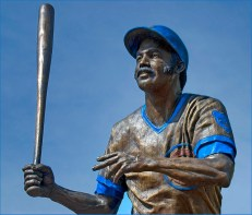 Billy Williams statue at Wrigley Field, home of the Chicago Cubs. (Ron Cogswell, Flickr)