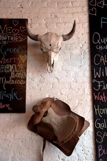 Found objects provide the décor at Dr. Portia Fulford's Organpi Farms Farmhouse. (Brittany Faush/Alabama NewsCenter)