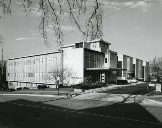 The Martin Administration Building, c. 1970, named in honor of the organization's founder and chairman, Tom Martin, now serves as the visitors entrance to the SR campus. The building was designed by Platt Roberts & Co. of Mobile. (Alabama Power Company Archives)