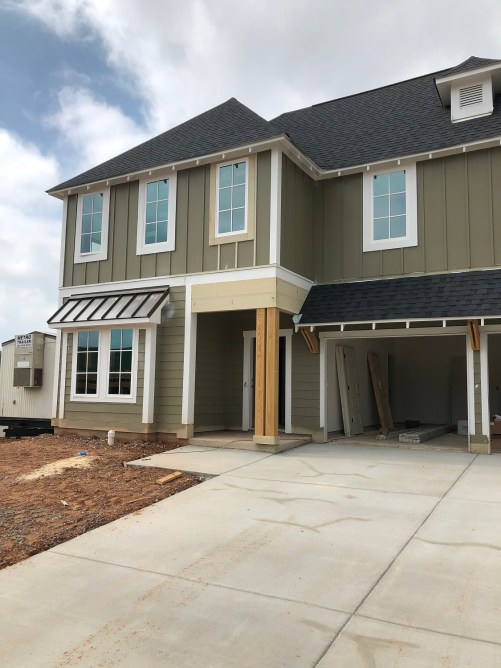 Construction has begun on about 30 of Reynolds Landing's 62 homes, and a few have been completed. (David Macon / Alabama NewsCenter)