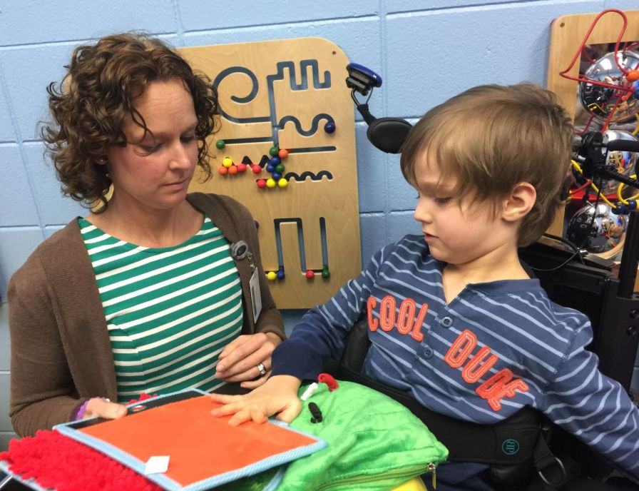 Nave gives her students much one-on-one time. (Donna Cope/Alabama NewsCenter)