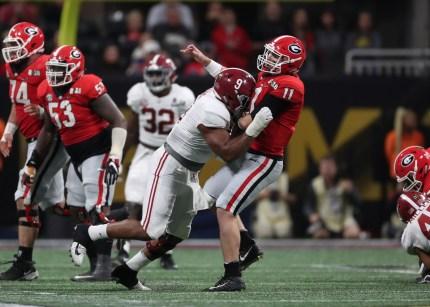 Alabama defensive lineman Da'Shawn Hand (9) in the National Championship Game. (Crimson Tide Photos)