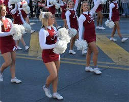 Crimson Tide cheerleaders march in the national championship celebration parade. (Michael Tomberlin / Alabama NewsCenter)