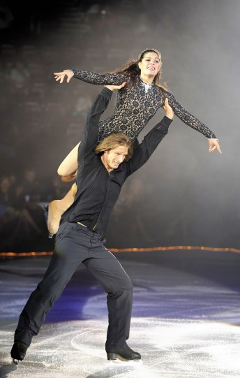 John Zimmerman IV skates with his wife, Silvia Fontana. The pair have been married 14 years and have three children. (Susan D. Russell / International Figure Skating)