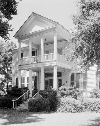 James Dellet House, Claiborne, Monroe County, 1939. (Photograph by Frances Benjamin Johnston, Library of Congress Prints and Photographs Division)