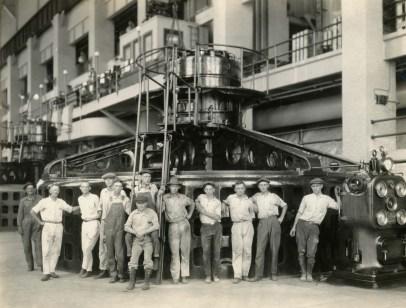 Lay Dam (Lock 12) powerhouse crew, c. 1926. (Alabama Power Company Archives)