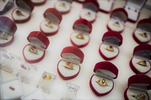 Jewelry is the only Valentine's Day gift that will cost you less this year. (Taylor Weidman/Bloomberg)