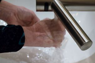 Allow water to wash away germs. (Donna Cope/Alabama NewsCenter)