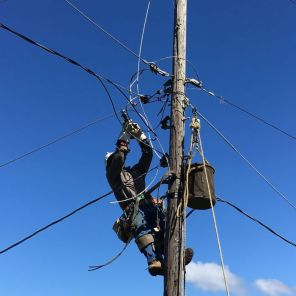 Lineman restores outages in Puerto Rico. (Alabama Power file)