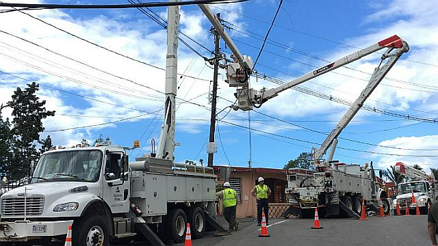 Alabama Power crews continue restoring outages in Puerto Rico while receiving praise for their efforts
