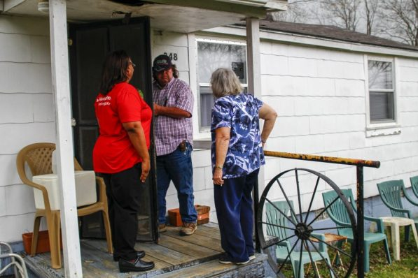 APSO Western Division delivered Cheeriodicals in partnership with Uniontown Cares. (Justine Averette/Alabama NewsCenter)