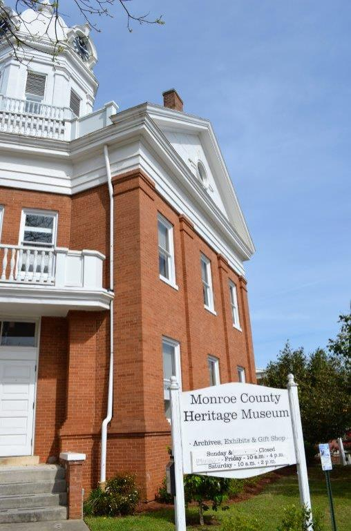 "The Monroe County Heritage Museum is in the former courthouse that inspired the one in ""To Kill a Mockingbird."" (Michael Tomberlin / Alabama NewsCenter)"