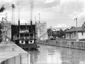 A riverboat is seen locking through at Wilson Dam on the Tennessee River in Lauderdale and Colbert counties in 1935. (From Encyclopedia of Alabama, courtesy of the Tennessee Valley Authority)