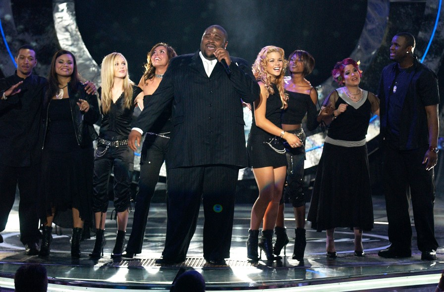 American Idol finalists Ruben Studdard (C) performs with fellow contestants during the show's grand finale on May 21, 2003 at the Universal Amphitheatre in Burbank, California. Studdard won the competition to become the new American Idol. (Photo by Vince Bucci/Getty Images)