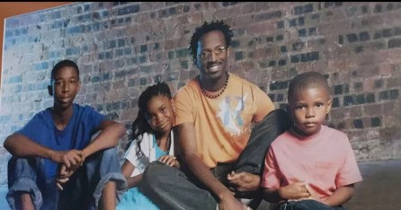 Rickey Smiley and his children. (Carolita Smiley Lester)