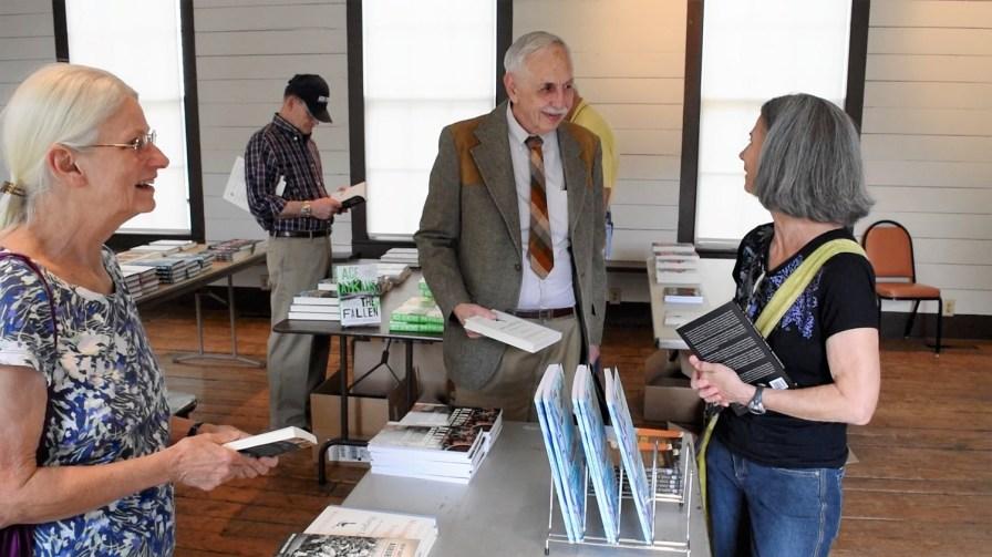Wayne Flynt meets fans and signs books at the Alabama Book Festival in Montgomery. (Karim Shamsi-Basha/Alabama NewsCenter)