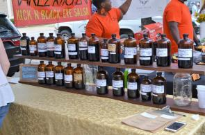 Deep Roots produces its own herbal medicines, extracts, salves, teas and blends. (Michael Tomberlin / Alabama NewsCenter)