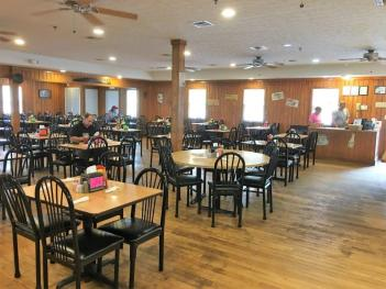 """""""It Don't Matter"""" family restaurant has an attention-getting name but it's the food that matters most. (Gilbert Nicholson / Alabama NewsCenter)"""