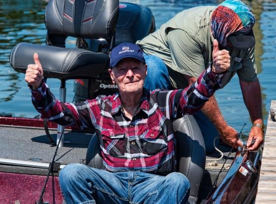 Veteran Ralph Mack gives a thumbs up after his fishing trip. (Bernard Troncale/Shorelines)