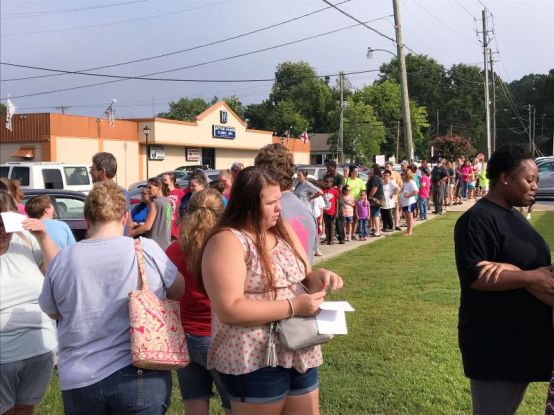 The line curved around the civic center. (Donna Cope/Alabama NewsCenter)