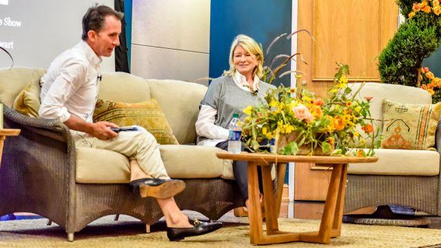 Martha Stewart blossoms with banter at Birmingham Botanical Gardens