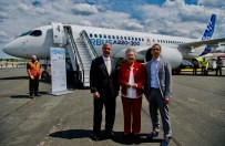 Gov. Kay Ivey meets with Jeff Knittel, CEO of Airbus Americas, and Florent Massou, head of the A220 program, at the 2018 Farnborough International Airshow. (A. Doumenjou/Master Films/Airbus)