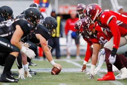 The Birmingham Iron offense lines up against the San Antonio Commanders. The Iron fell to the commanders 12-11 in Birmingham's first loss of the season.(Getty Images/The AAF)