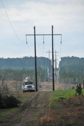 Alabama Power and others continued recovery efforts Monday following the deadly EF4 tornado that struck Lee County March 3. (Billy Brown / Alabama NewsCenter)
