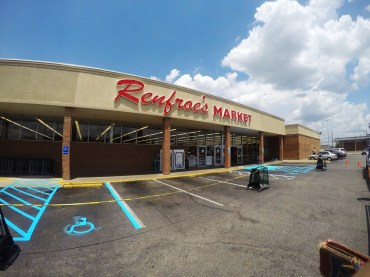 Renfroe's Market on McGehee Road in midtown Montgomery in 1996. Originally Super Foods, it was the family's first grocery store. (Bryan Carter/Alabama Retail Association)