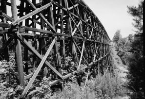 Birmingham mineral railroad viaduct designed by J.L. Mitchell, spanning Newfound Creek, Birmingham, 2001. (Jet Lowe, Library of Congress Prints and Photographs Division)
