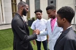 Some students in the BSI leadership group meet Birmingham Mayor Randall Woodfin. (Dury Shamsi-Basha/Alabama NewsCenter)